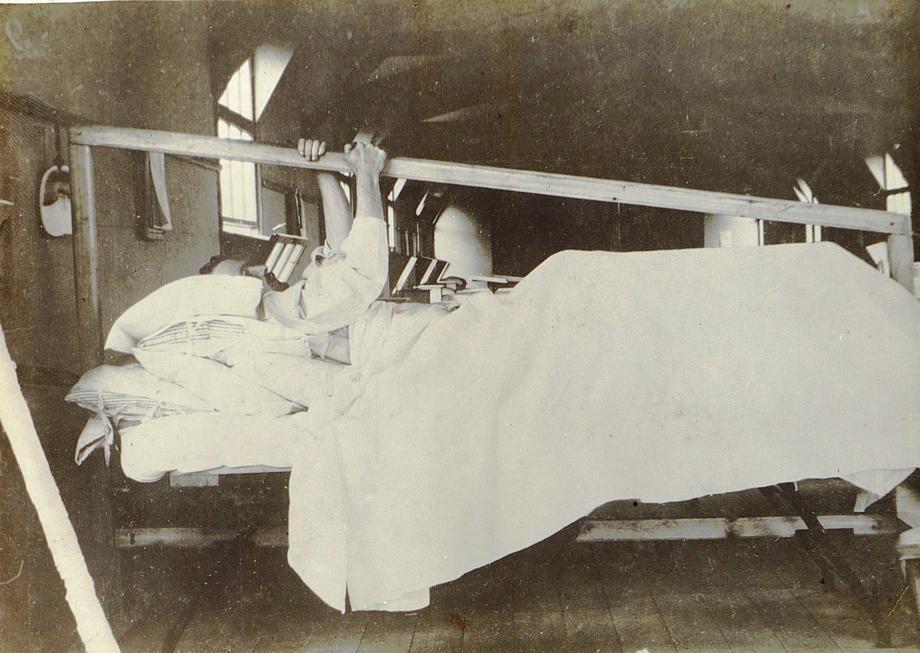 ouverture du premier h pital du camp d taples chroniques de la grande guerre activit s. Black Bedroom Furniture Sets. Home Design Ideas